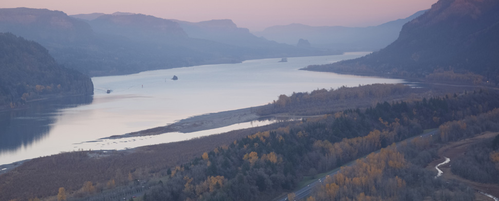 Looking down to the Columbia river gorge from Crown Point, Oregon<br/>-- Khuong Hoang